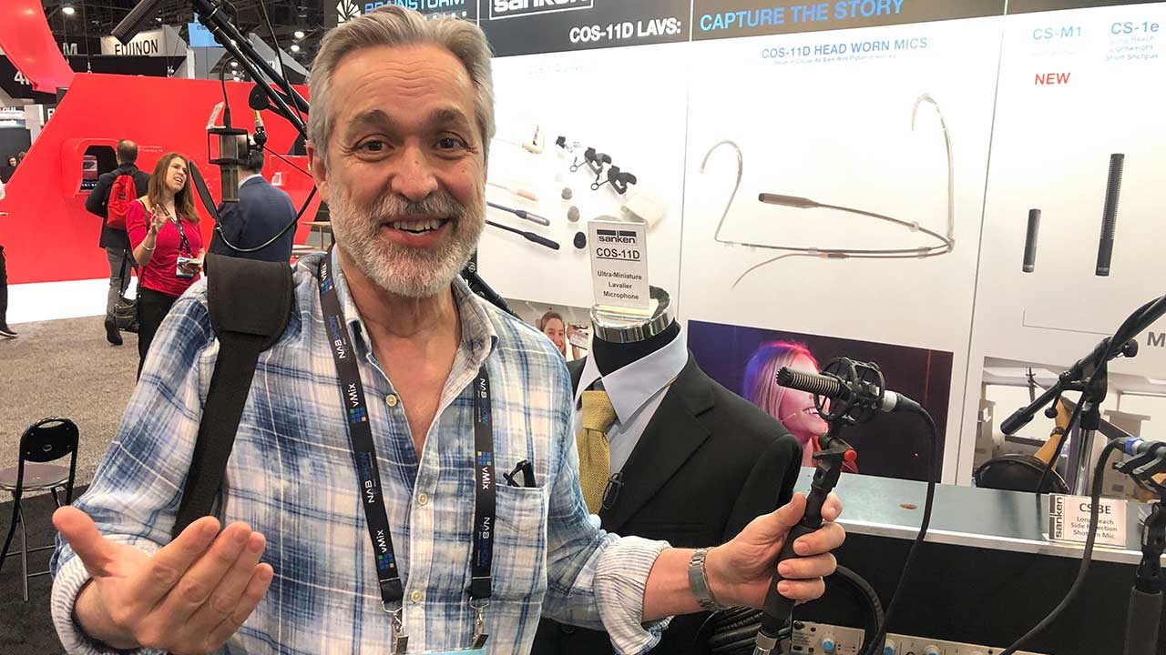 CS-M1 Shotgun Mic In Hand